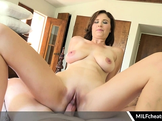 Alice Chambers big-boobed cougar jug humps And bj's man-meat