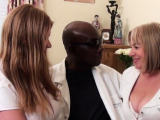 Meaty breasted elderly couple share ebony dinky