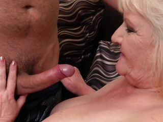 Plus-size Mature Is Always raw For A stiff manmeat