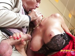 MILF Alexis Fawx Squirts 'round yield Steves obese gumshoe