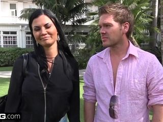 Jasmine Jae brings her youthful fellow fucktoy along for a point of view drilling