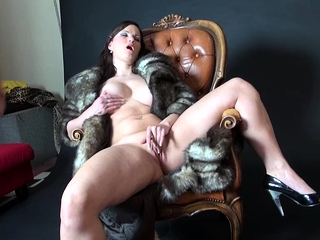 Super-naughty cougar in kinky clothing likes some point of view onanism