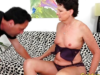 Smallish Tittied Mature slut Beth McKenna inhales and plumbs a lengthy fuckpole
