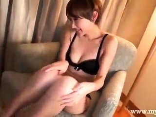 Kinky cougar has smartphone fuckfest frigging and frolicking humid gash