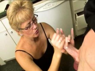 Matured stepmom wanks stepson make advances to bukkake