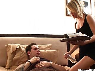 Blonde Mature Jessie Fontana Receives Morning Fuck