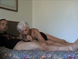 Remarkable amateurish fastener at hand Young/Old, Webcam scenes