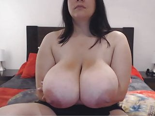 Chesty plus-size on web cam