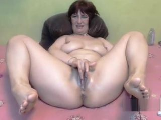 Plus-size fat rump mature going knuckle deep and jizm