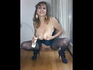 Horny Mommy - Pissing and Milking 3