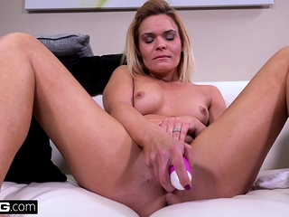 Blaten Lee displays her muff in public before getting banged