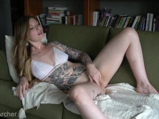 Inked fledgling cougar spreading Her bootie to Take a Butt speculum