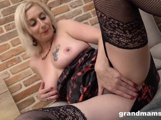 Mature milf gullet Creampied by Muscle Gigolo
