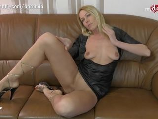 MyDirtyHobby German MILF live anal cam show with double penetration toy