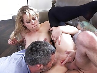 Wifey in pantyhose penetrates rigid in front of her hubby